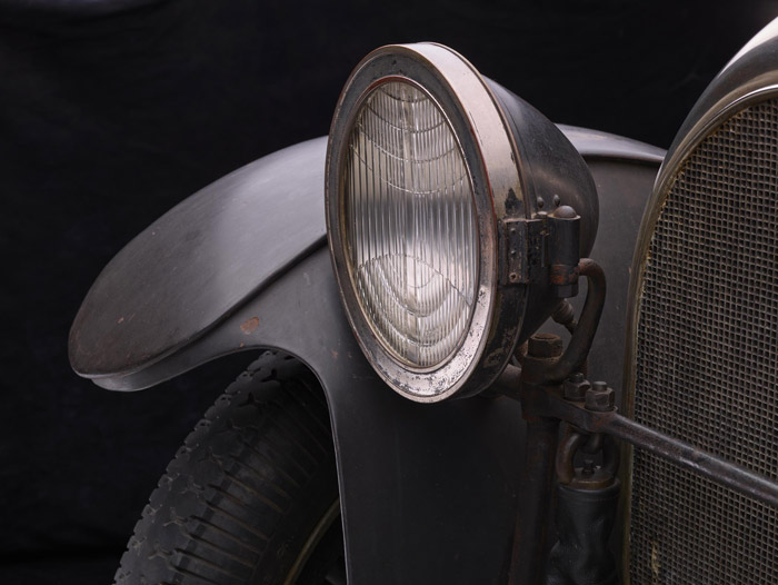 Michael Furman's photograph of the 1916 Simplex-Crane headlight.