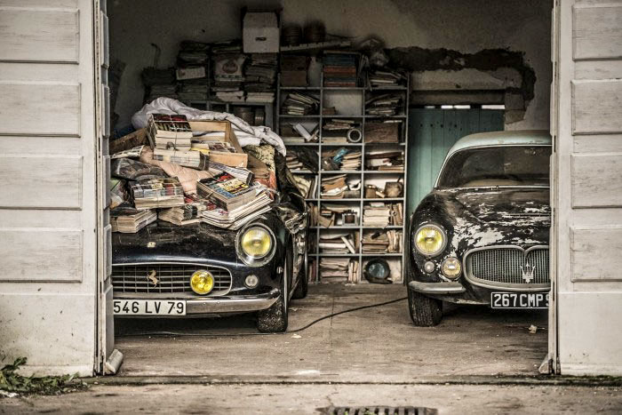 French Barn find - Ferrari under magazines